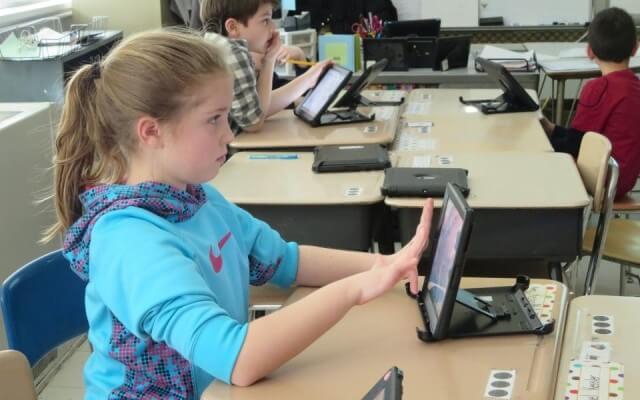 Escuela de New York presenta iPad en salones